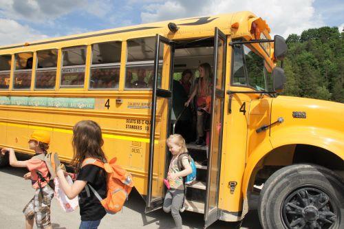 Wycieczka szkolna do Bałtowa, schoolbus