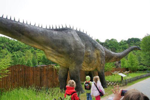 Dinozaur w Bałtowskim Parku Jurajskim