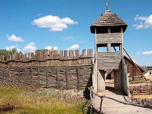 Osada średniowieczna w Biskupinie