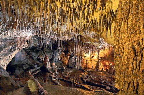 Wycieczka Góry Świętokrzyskie, Jaskinia Raj