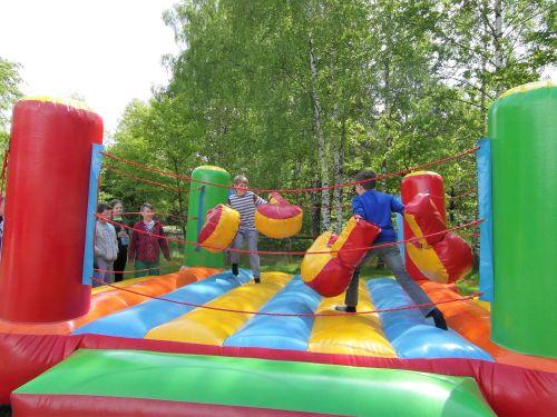 Aktywna zielona szkoła, dzieci, dmuchany ring