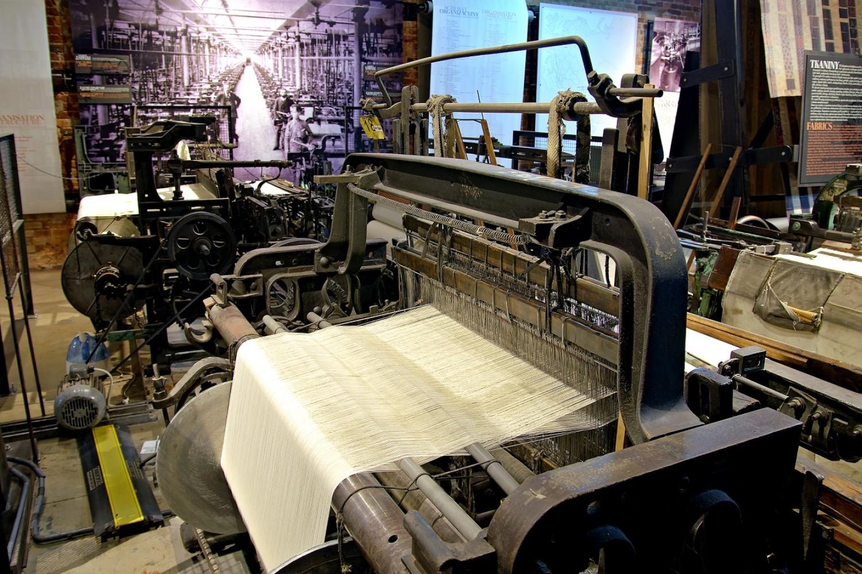maszyny tkackie w Muzeum Fabryki w Łodzi